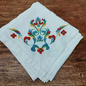 """COPY - Floral Embroidered white table cloth 50"""" X…"""